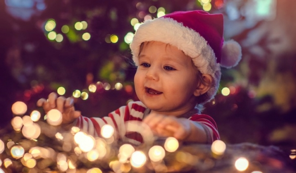 Keeping toddler safe looking at holiday lights