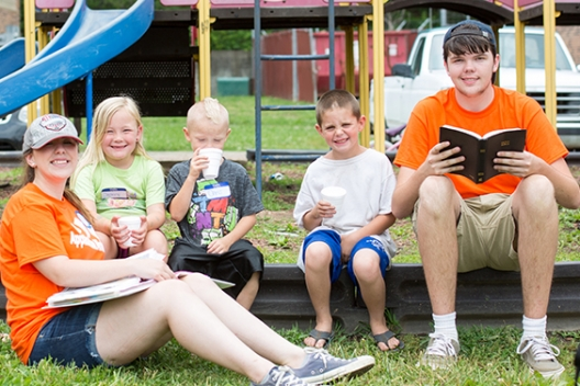 Students share ministry with children